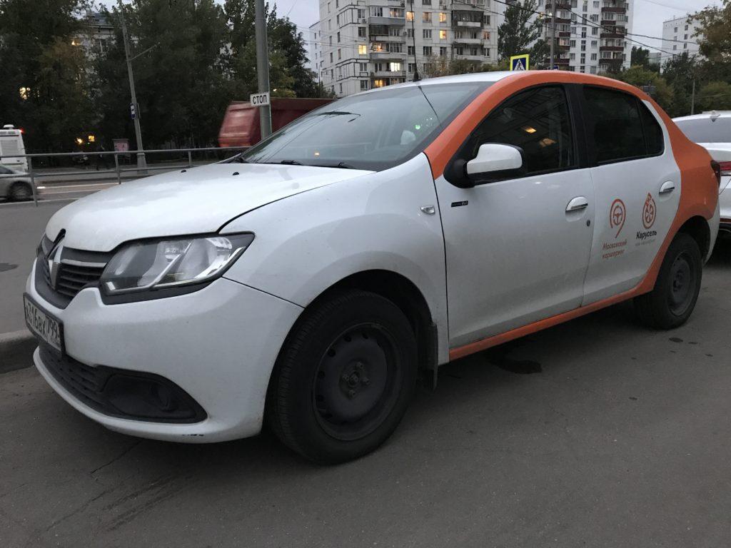 Каршеринговый Renault Logan в Мытищах