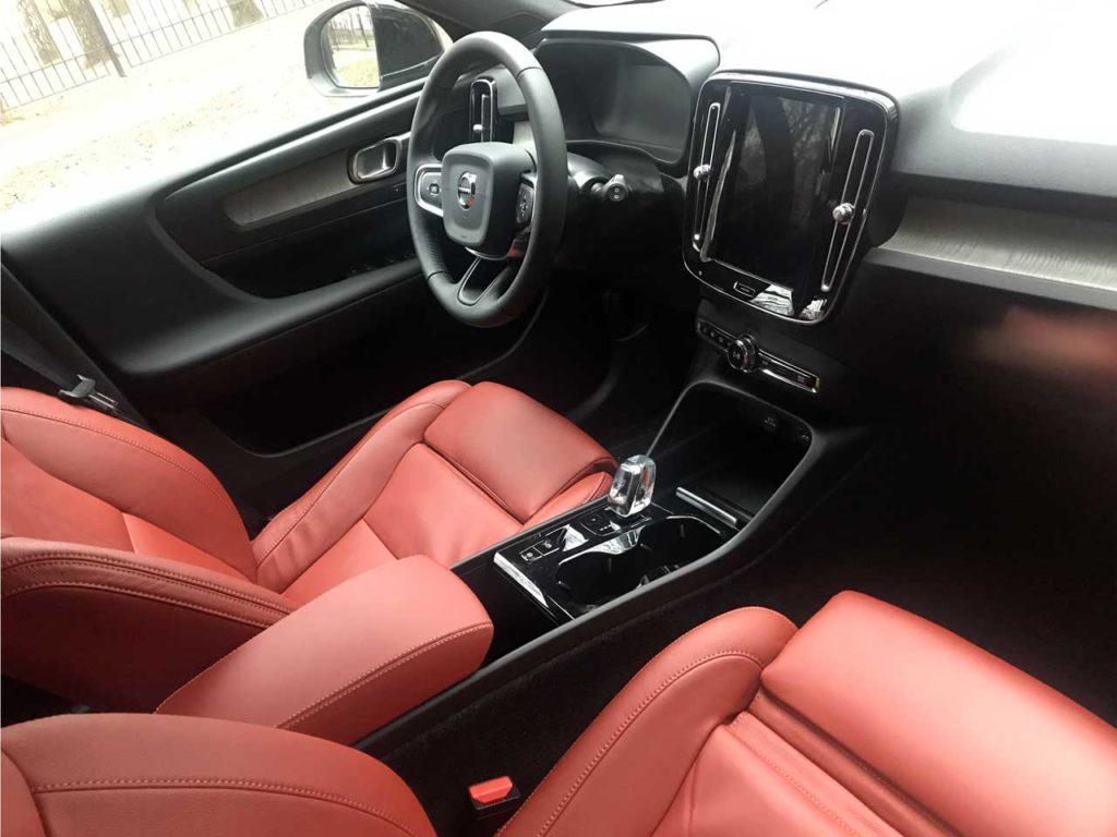 Интерьер Volvo XC40